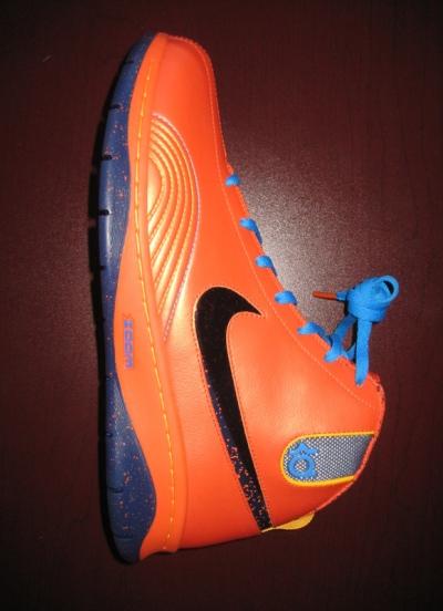 NBA: Kevin Durant's Nike Shoes...A Ronald McDonald Disaster? (w/pic) Kd1-ke10