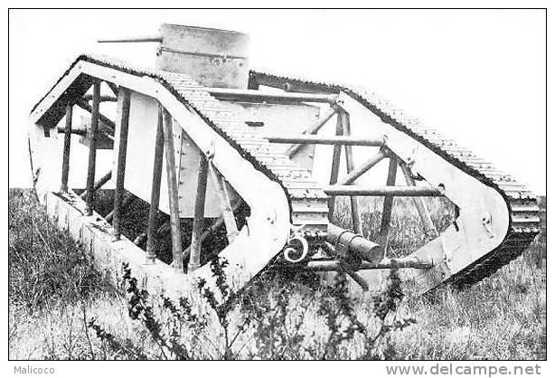 Prototype de char américain de la 1° guerre. 400_0010