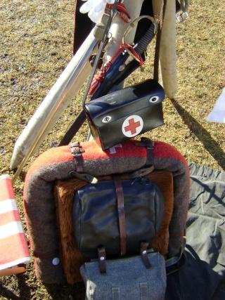 Quelques paquetages, armes et équipements suisses. Dsc04536