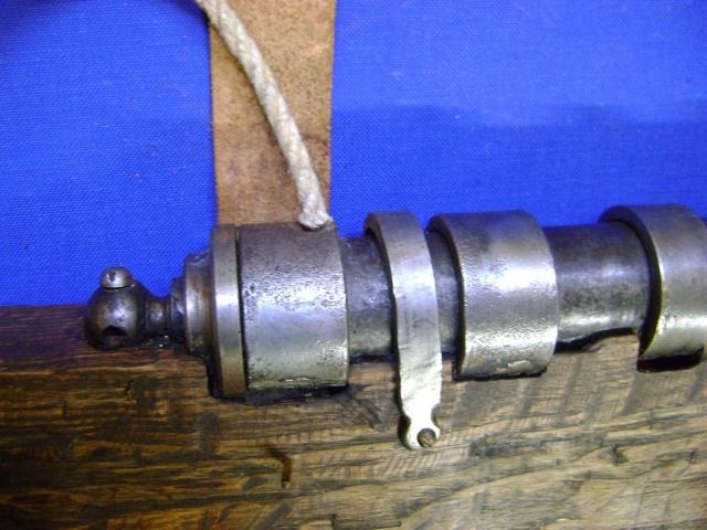 Le fonctionnement des anciens systèmes de mise à feu. Dsc04735