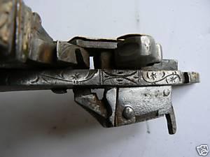 Reconstitution d'une arquebuse à la Miquelet. Miquel10