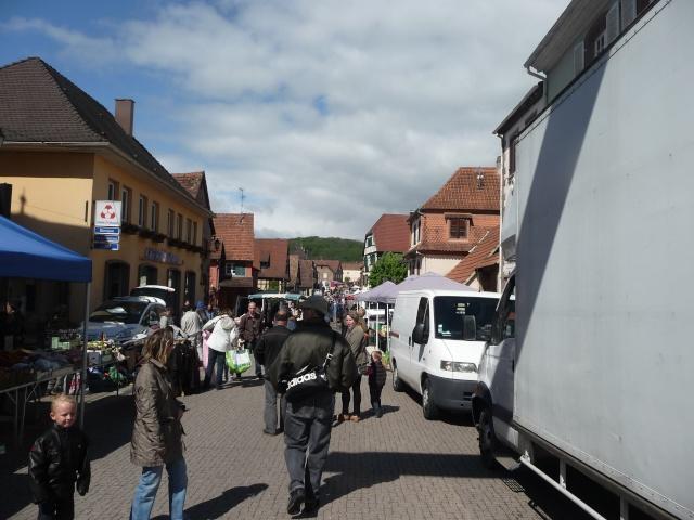 Marché aux puces du 12 mai 2013 à Westhoffen P1110611