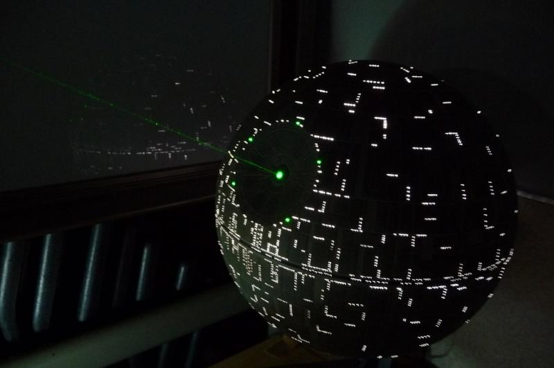 une superbe étoile noire 40134110