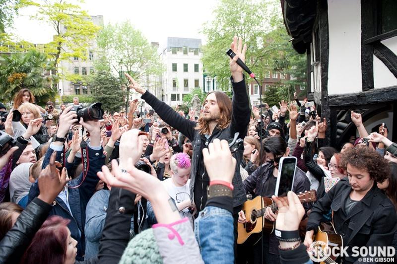 Concert improvisé à Londres - #MarsFlashLondonShow Flashm14