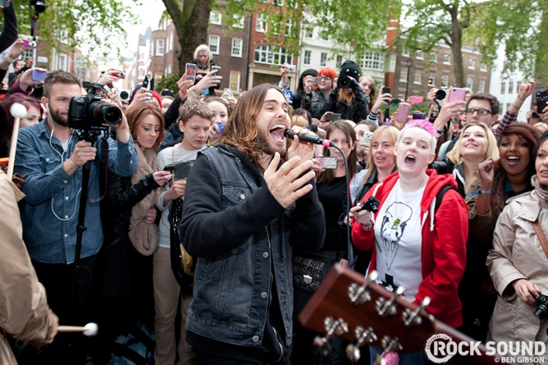 Concert improvisé à Londres - #MarsFlashLondonShow Flashm17