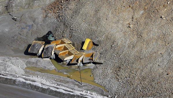 énorme glissement de terrain dans une mine de cuivre sans aucune victime Bingha14