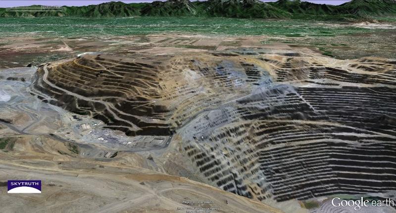 énorme glissement de terrain dans une mine de cuivre sans aucune victime Skytru10
