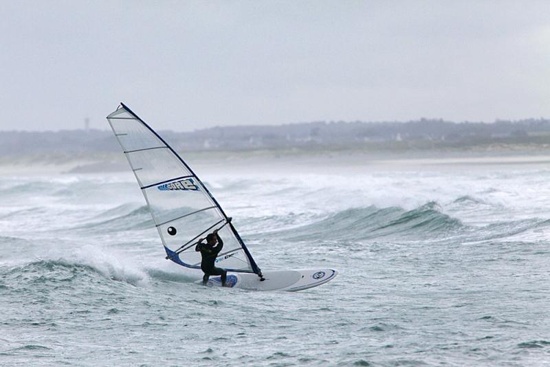 Windsurf en vent medium avec un SUP c'est envisageable ? _mg_7010