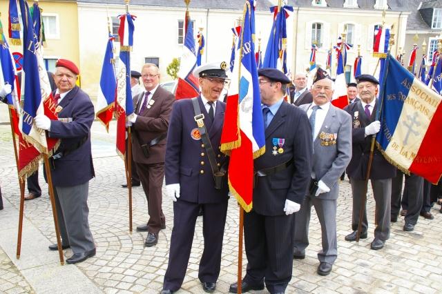 l'inauguration d'une plaque gravée au nom du Général de Gaulle Imgp5911
