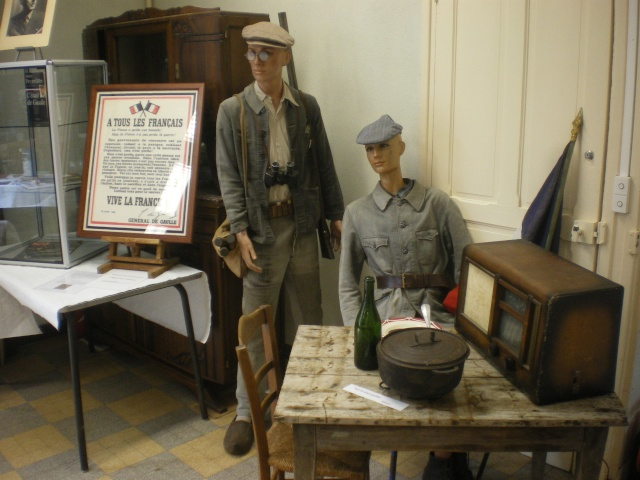 l'inauguration d'une plaque gravée au nom du Général de Gaulle Imgp7713