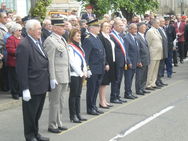 l'inauguration d'une plaque gravée au nom du Général de Gaulle Imgp7718