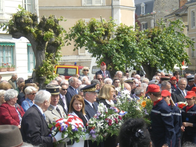 l'inauguration d'une plaque gravée au nom du Général de Gaulle Imgp7719