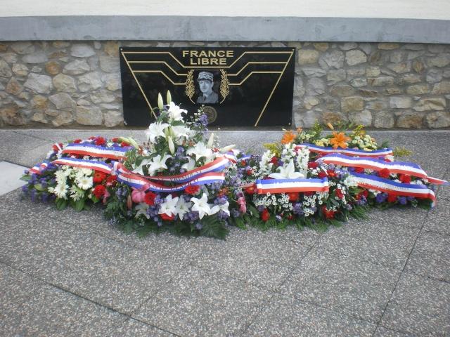 l'inauguration d'une plaque gravée au nom du Général de Gaulle Imgp7810