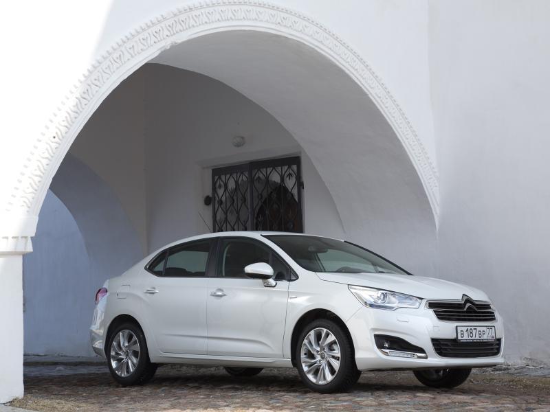 [SUJET OFFICIEL][CHINE/RUSSIE] Citroën C4L/C4 Sedan [B73] - Page 5 C4_l_r14