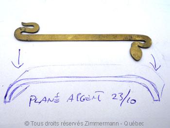 Bague serpent découpée sur un plané courbé aux deux extrémités Baa17410