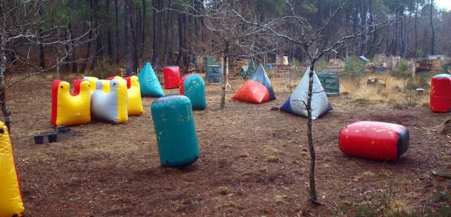 12 fevrier un team de volontaires et 13 fev on fait joujou dans les gonflables.... Terrai11