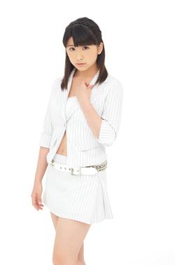 14ème single: [Double A-side] Yattaruchan / Atarashi Watashi ni Nare! - Page 2 Fukuda12