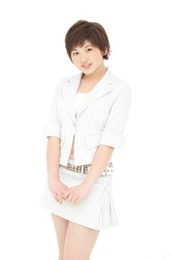 14ème single: [Double A-side] Yattaruchan / Atarashi Watashi ni Nare! - Page 2 Takeuc12