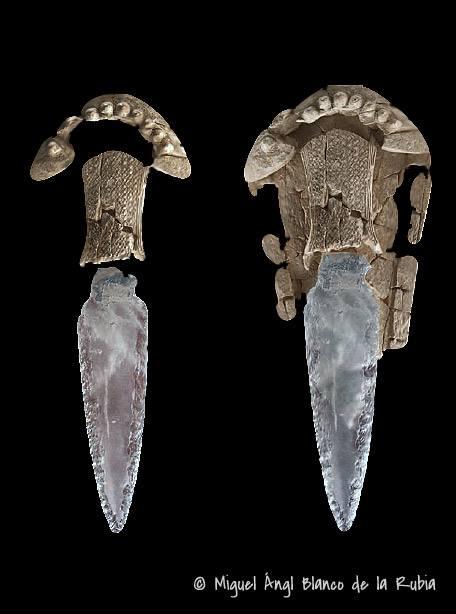 Poignard chalco en cristal de roche et fourreau en ivoire ! Poigna10