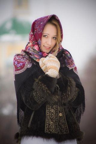 Варианты повязывания и ношения павловопосадских платков. Как носить платки. Как завязать платок. - Страница 2 S640x410