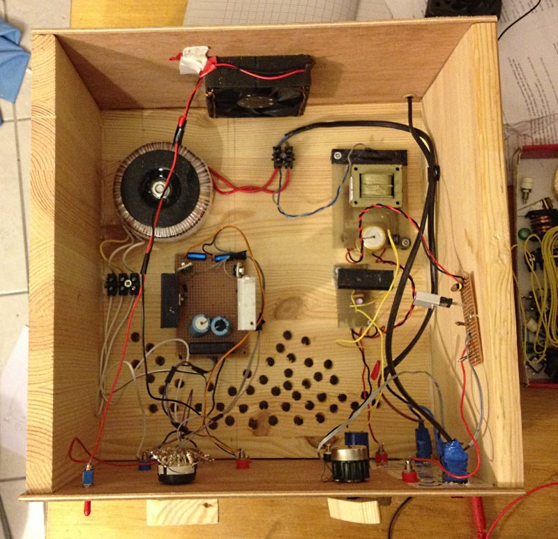 Topik des bidouilleurs d'électronique, électricité, mécanique, trucs en carton...  - Page 4 Img_0212