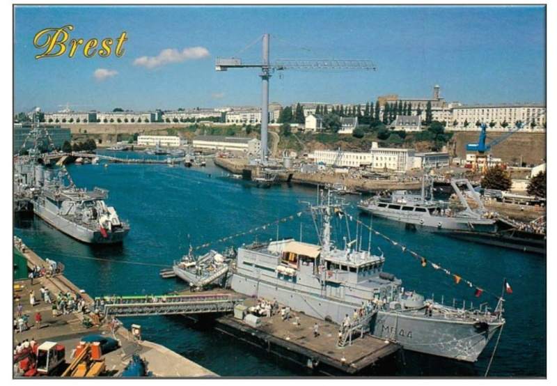 [Les ports militaires de métropole] Port de BREST - TOME 2 - Page 3 Diapos10