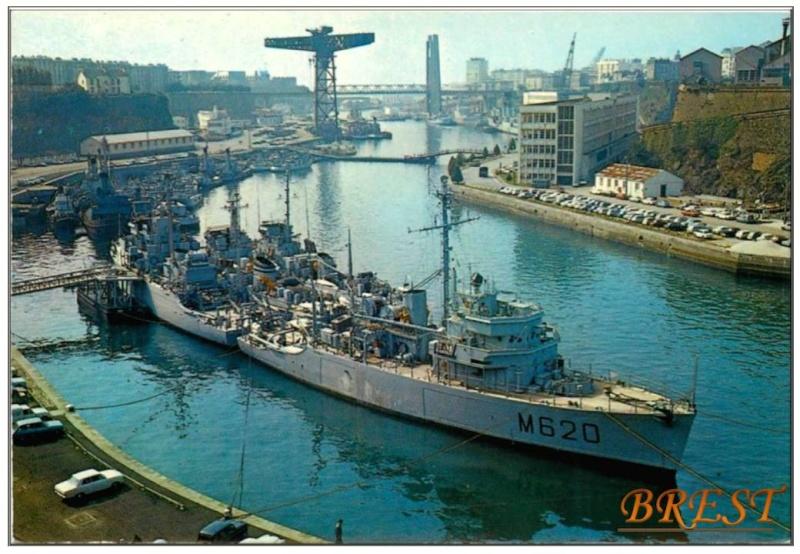 [Les ports militaires de métropole] Port de BREST - TOME 2 - Page 3 Diapos11
