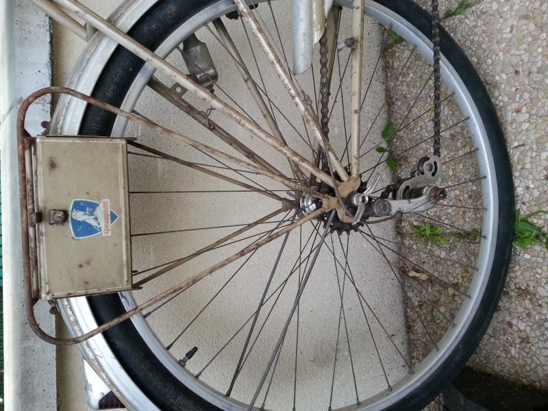 Vélo ancien Peugeot d'avant guerre 1939? 20130612