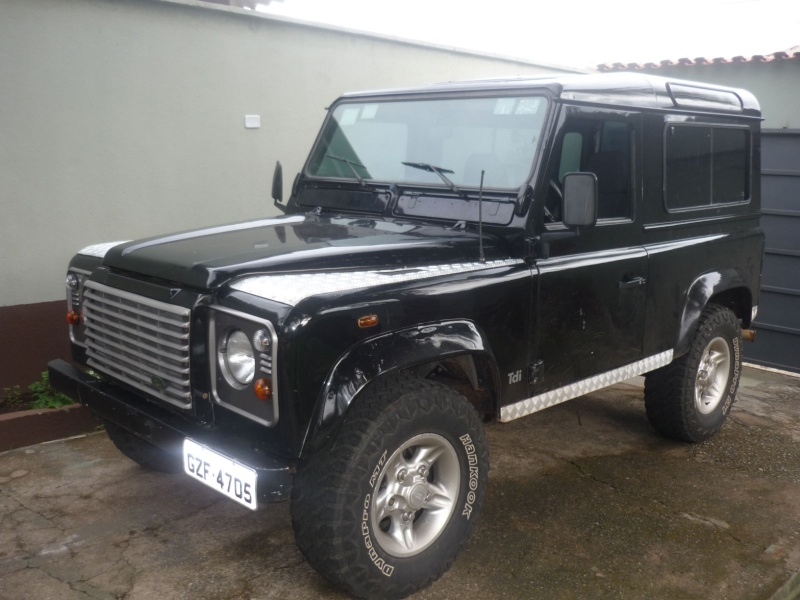 Land Rover mod. Defender 90 preta 4x4 P1040310