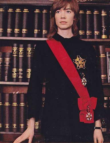 Les tenues étonnantes de Françoise Hardy Franco15