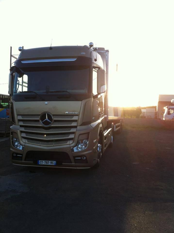 Les camions de l'Ile de la Reunion - Page 8 Acc10