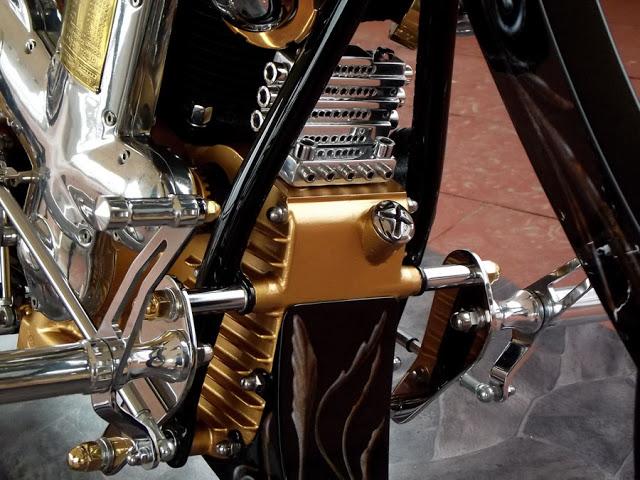 culture Benelli - Page 24 Biker_16