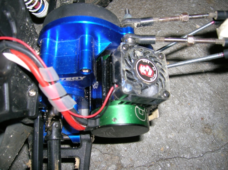 Changement de moteur Rustler Dscn2910