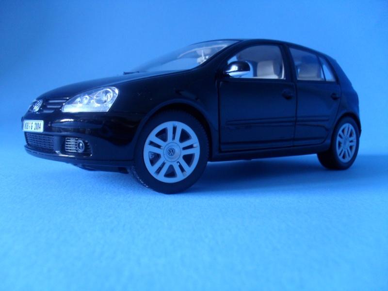 VW Golf 5 1:18 Bburago Sam_0836