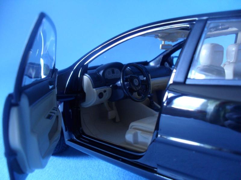 VW Golf 5 1:18 Bburago Sam_0839