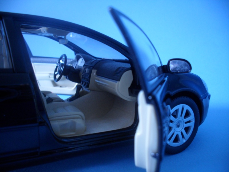 VW Golf 5 1:18 Bburago Sam_0840