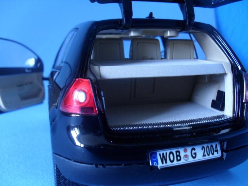 VW Golf 5 1:18 Bburago Sam_0842