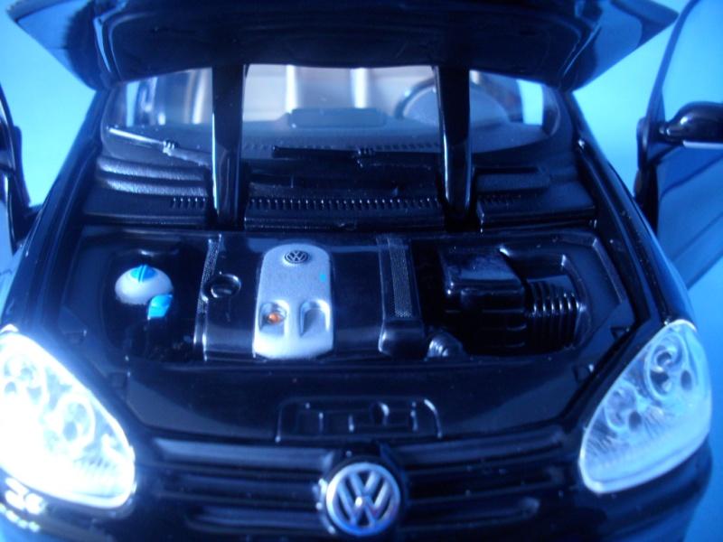 VW Golf 5 1:18 Bburago Sam_0843