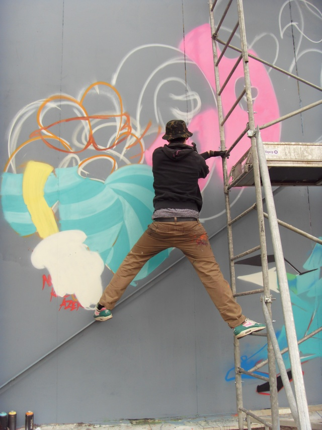 GRAFFITI / STREET ART - Page 38 Azek_210