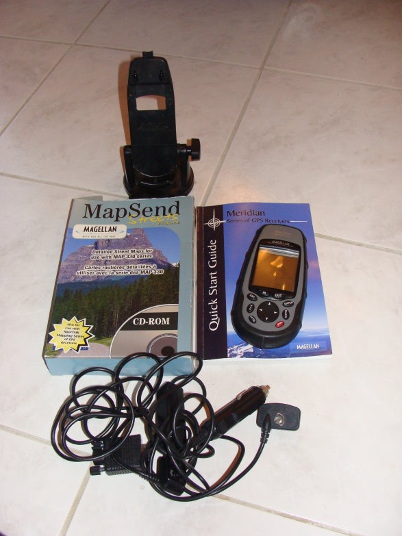 Vends GPS MAGELLAN Meridian platinium Dsc01910