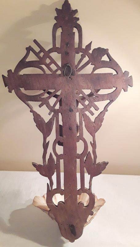 Crucifix bénitier coquillage  20210114