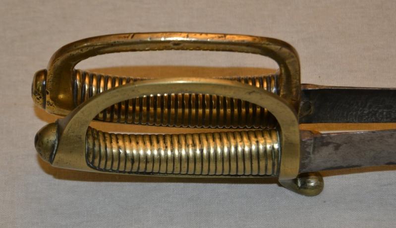Un sabre Briquet mystérieux ... Brique12
