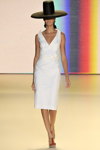 Модные тенденции весна-лето 2011 D1010