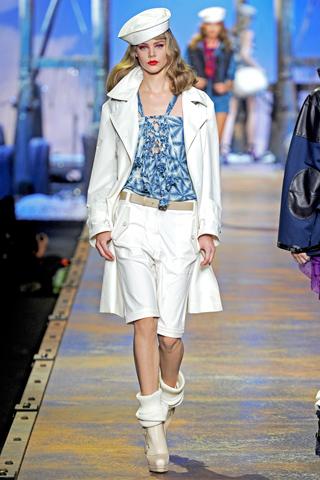 Модные тенденции весна-лето 2011 D111