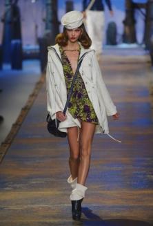 Модные тенденции весна-лето 2011 Dior-r11