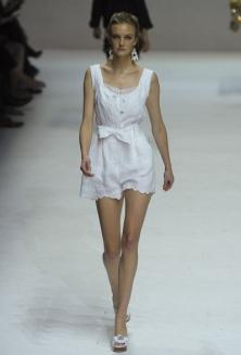 Модные тенденции весна-лето 2011 Dolce-11