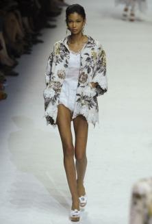 Модные тенденции весна-лето 2011 Dolce-12