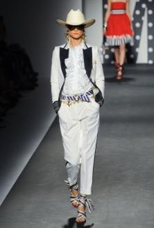 Модные тенденции весна-лето 2011 Moschi10