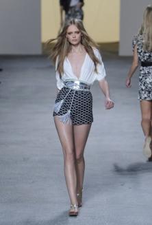 Модные тенденции весна-лето 2011 Paul-e10