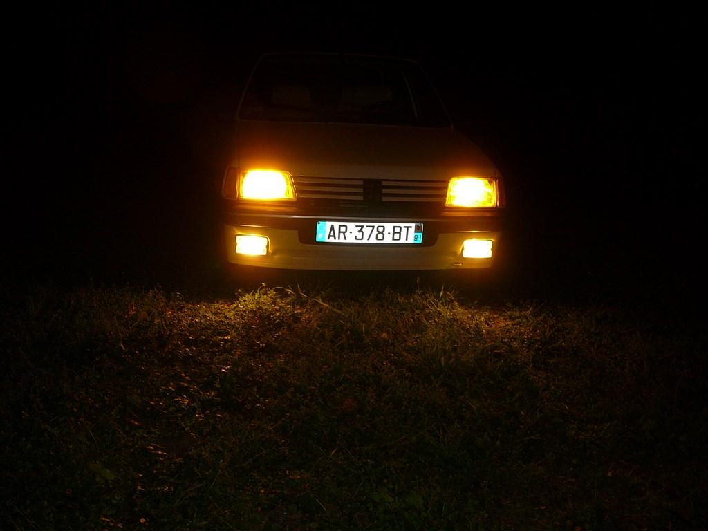 [Vendu] Peugeot 205 Indiana. - Page 4 P1060517